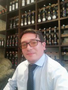 Somelier de vinos vinzeta